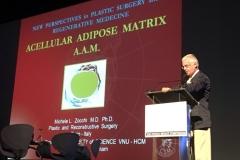 Durante la presentazione del lavoro sulle Matrici Adipose Acellulari (AAM)